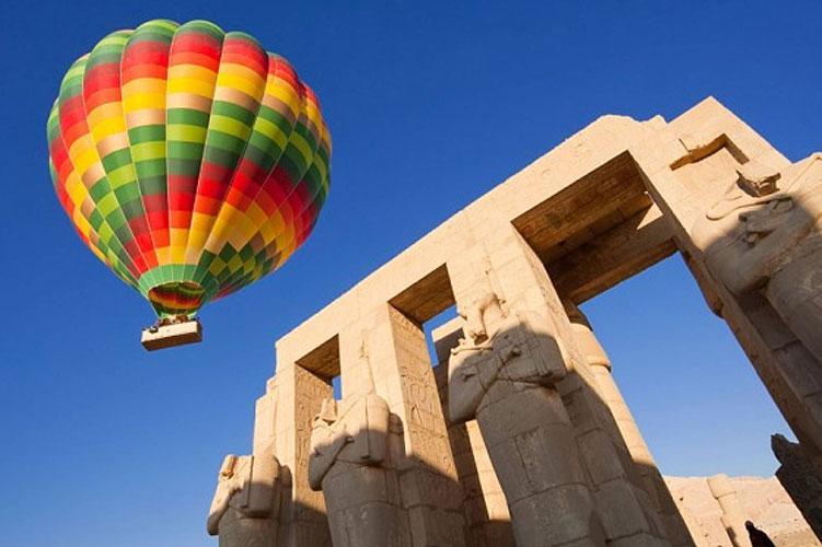 hot-air-balloon-luxor-egypt