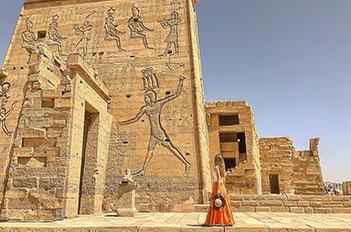 horus-temple-edfu-aswan-egypt