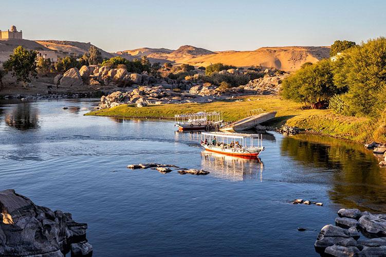 aswan felucca boat egypt