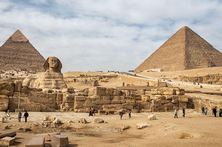 the pyramids of giza egypt