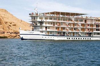 Movenpick-Prince-Abbas-Lake-Cruise